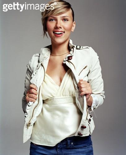 Scarlett Johansson(斯佳丽-约翰逊) 像明星那样穿衣服 电影