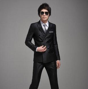 双排扣外套+白衬衣+银色领带