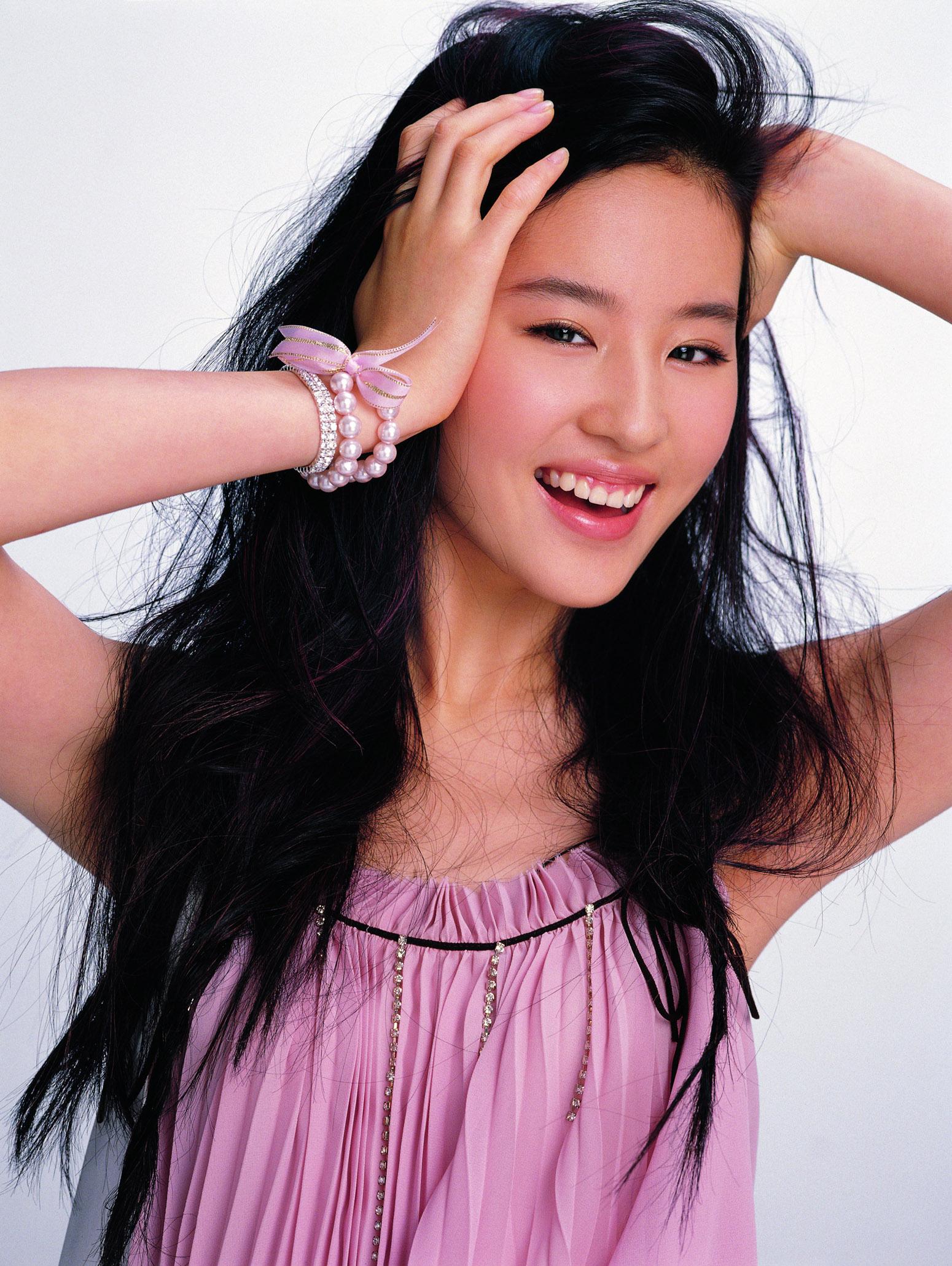 刘亦菲 6位婴儿肥女星的成功瘦脸法高清图片