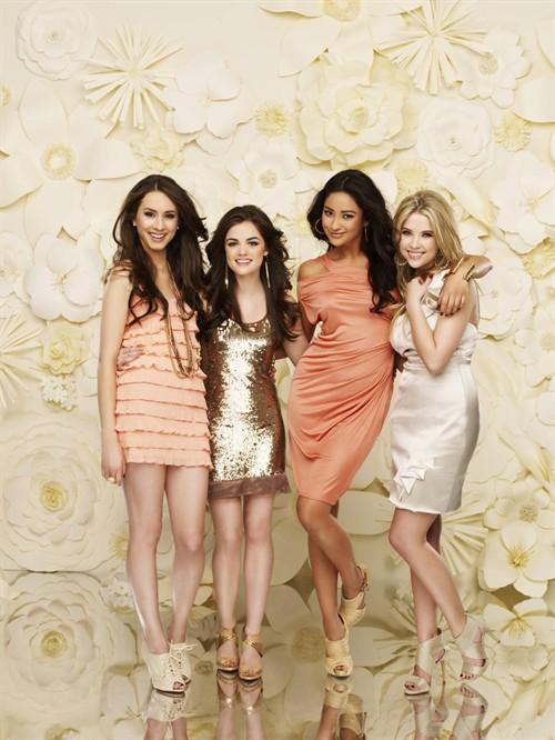 《美少女的谎言》第一季后半部分的角色定妆照
