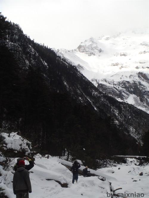 去冰湖路上的雪景