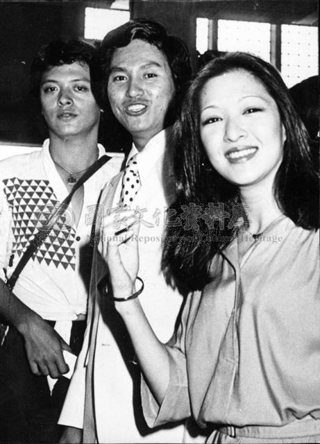 香港电影女星排行榜_胡茵夢(右)、谷名倫(中)、劉文正 – Mtime时光网