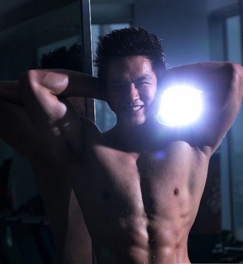 健身教练顾又铭2011-02-19