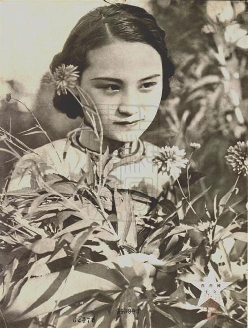 こんなのが美少女扱いされてた20年前の芸能界 [無断転載禁止]©2ch.net [639155279]YouTube動画>7本 ->画像>316枚