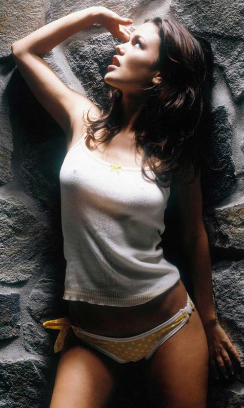 夏日危险情人 性感白色小背心显尽好莱坞美女