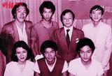 孙泳恩、陈百强、张国荣、陈欣健等与东华三院主席姚中立合摄(1980.09.14)