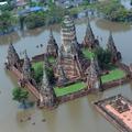 泰国首都曼谷以北80公里的世界遗产,百年Chaiwattanaram老寺犹如水中