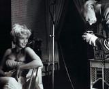 16Cecil Beaton 正在为Marilyn Monroe拍照
