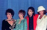 惠特妮-休斯顿和迈克尔-杰克逊、伊丽莎白-泰勒、丽莎-明尼里于1988年一起出席
